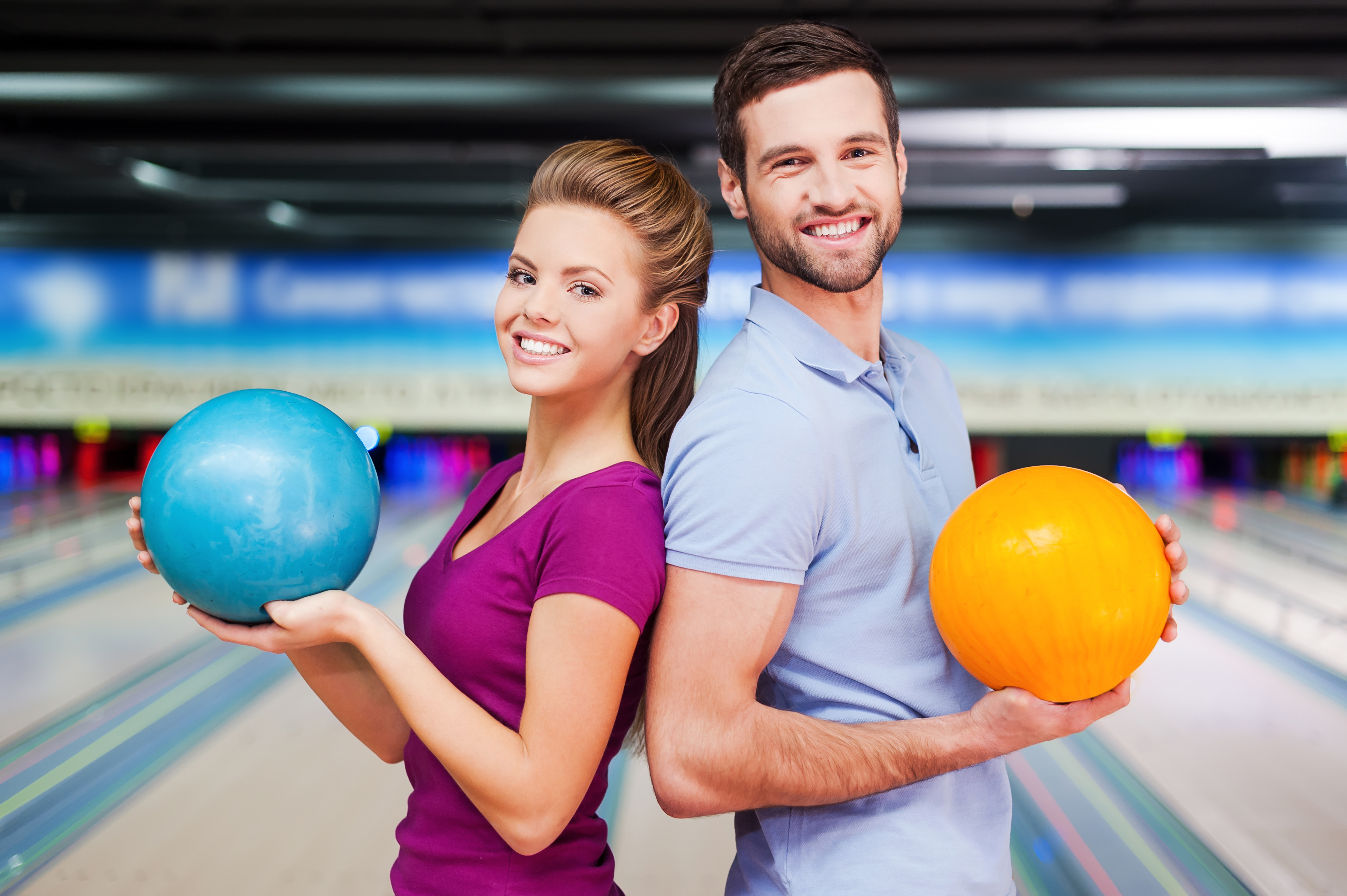bowling couple | open bowling deals | bowling deals over the holidays | Sheboygan, WI | Odyssey Fun Center