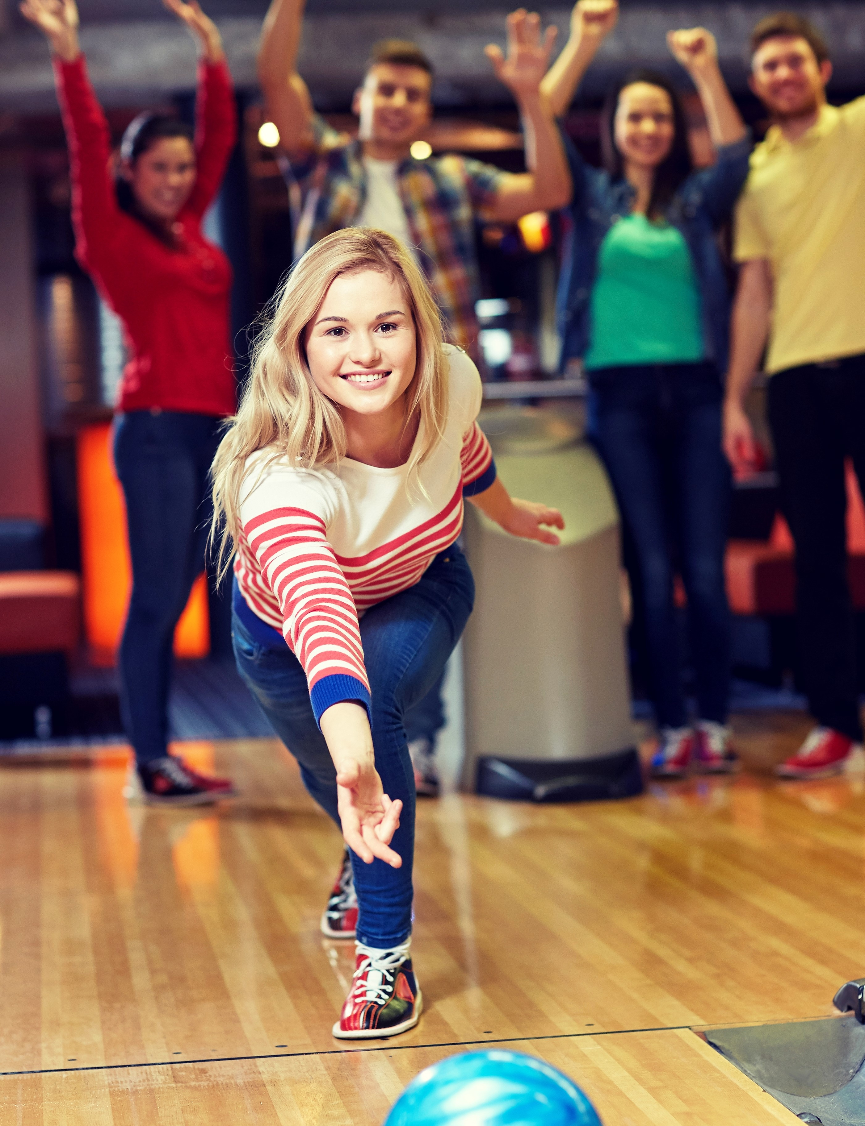 young woman bowling | casual bowling | open bowling | bowling club | bowling with friends | Odyssey Fun Center | Sheboygan, WI