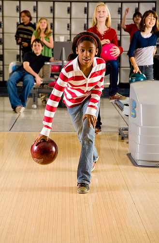 youth leagues | kids leagues | adult/youth leagues | youth bowling leagues | youth bowling programs | girl goes bowling | JB's on 41 | Milwaukee, WI